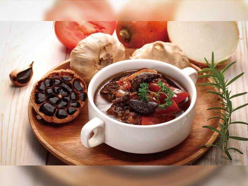 黑蒜燉牛肉湯