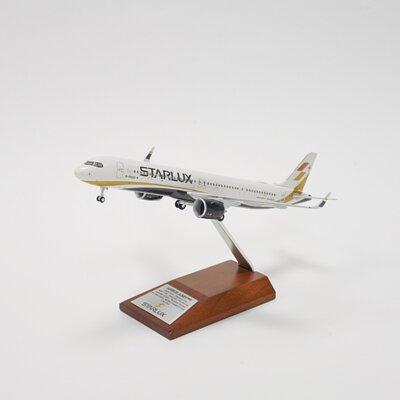 STARLUX   A321neo 1:200 飛機模型 (Hogan製造)