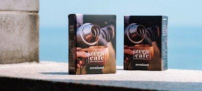 ZeraCafe單品濾掛咖啡盒裝放在海邊