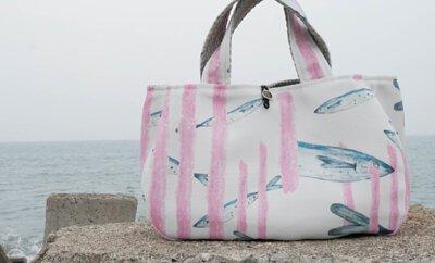 海洋環境與塑膠垃圾議題的故事印花設計_愁刀魚