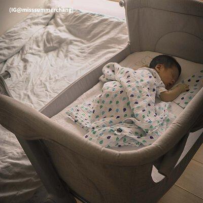 unilove可攜式嬰兒床邊床