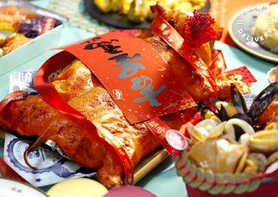 乳豬到會外賣推介 熱賣單點肉類主菜 西班牙烤乳豬配燒汁、焗薯 Kama Delivery Catering