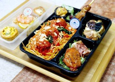 便當到會推介|Kama Delivery為各大公司、學校、企業、私人機構提供各款精美便當及午餐盒,歡迎聯絡我們查詢報價。