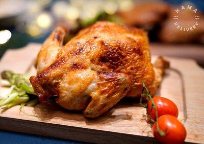 燒雞外賣到會|Kama Delivery為各位炮製餐廳質素的足料香草燒春雞配烤雞脾菇、雜菜。