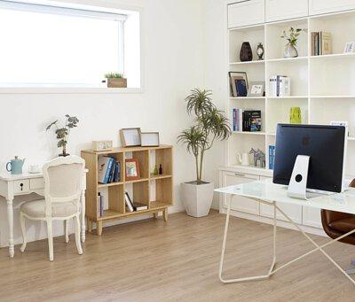 木質家具則是無印風格中顯示樸實、自然、溫暖的最大功臣