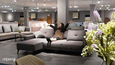 九如館內有超多種沙發商品,每一款都各有優點,真的太讓人難以抉擇