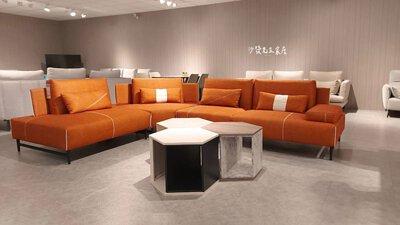 低背沙發不會遮擋住視線也讓空間看上去更加遼闊
