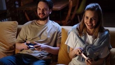 趕快下載個遊戲讓你窩在沙發上也能與全世界的人一起開心地玩樂喔!
