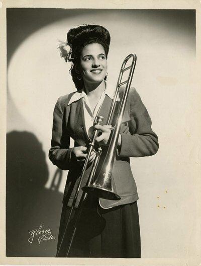 全女性爵士樂團成員Helen Jones Woods去世,享年96歲