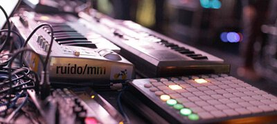 電子樂器,合成器,數位吹管樂器,電子吹管,合成器 鍵盤