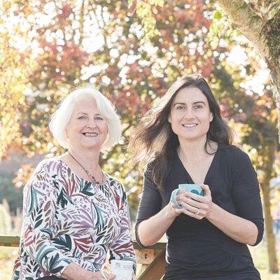 《創辦人Margaret 與女兒 Abi》
