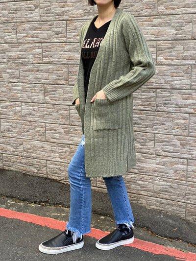 綠色-輕刷毛雙口袋設計針織外套