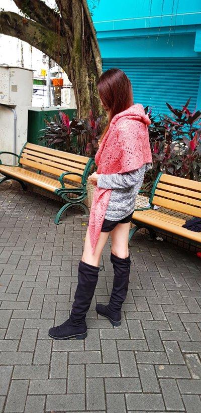 粉桔色的編織造型披肩