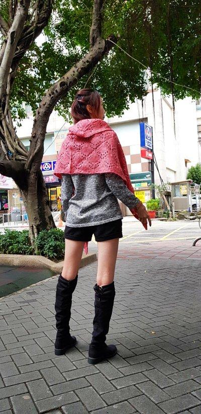 蕾絲編織設計的針織披肩