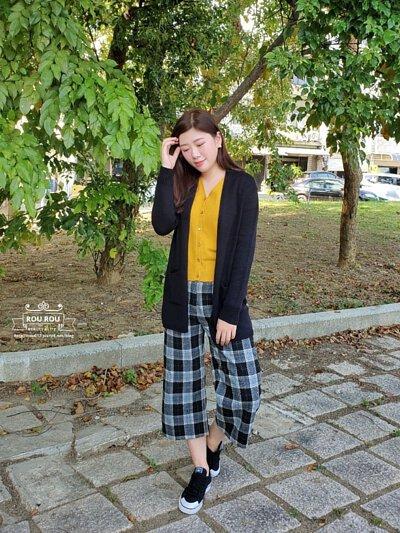 黑色美麗諾羊毛針織外套