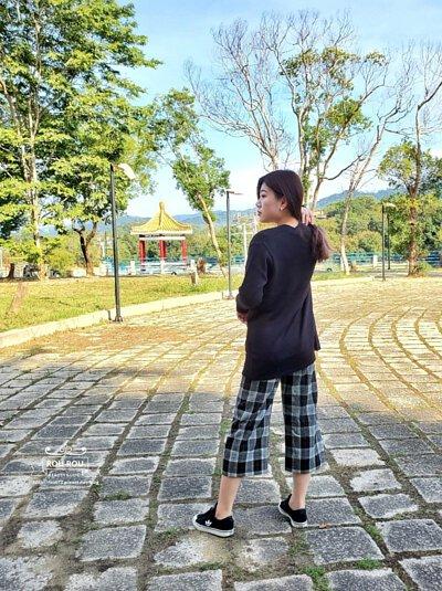 美麗諾羊毛針織外套穿搭格紋褲