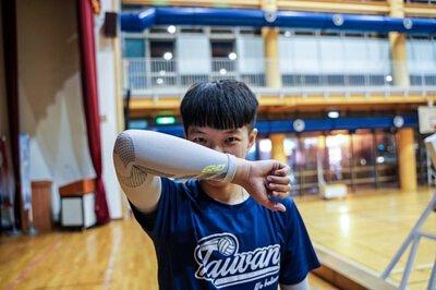 旅義大利排球選手-楊怡真 前極速超跑舉球員