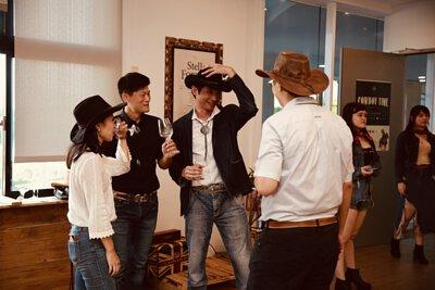 牛仔帽, 派對, 香檳