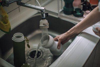 可高溫消毒,清潔好方便 杯身柔軟,各配件可拆卸方便清潔,