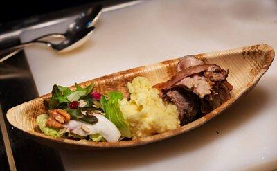 創意,讓美食充滿驚喜 除了常用的圓盤、方盤外, 仁舟葉子餐盤還有許多創意盤型, 可以搭配出各種不同用法, 創造出視覺驚喜,也能為美食加分!