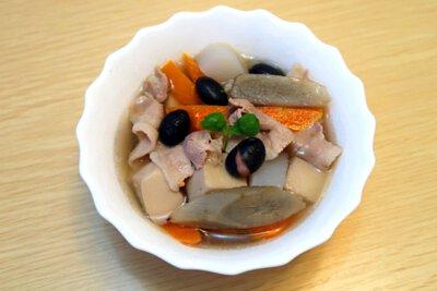 黑豆豚肉豆腐湯,做法,食譜, 家常菜, 煮餸,食療,日本小食,製作方法,豆腐湯,黑豆,豚肉,黑豆湯
