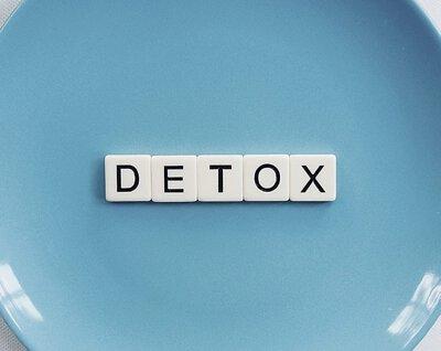 促進消化系統及排泄功能 醋的氨基酸,能刺激唾液分泌及腸蠕動,有助食物消化吸收;又能促進排泄功能,清除體內廢物。