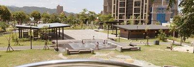 斬龍山遺址文化公園 景色 有噴水池 溜滑梯 適合親子下午放鬆遊戲的地點