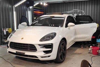 Porsche Macne
