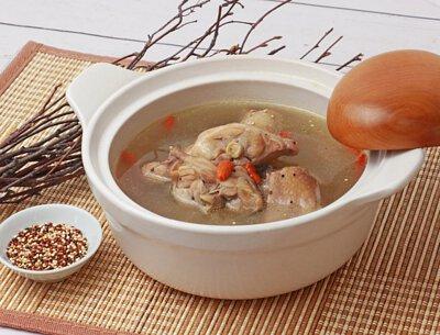 藜麥元氣燉雞湯