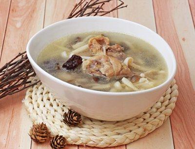 珍菇鮮雞湯