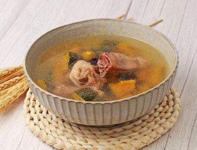 金瓜甜香雞湯