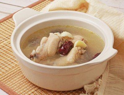 百合煲雞湯