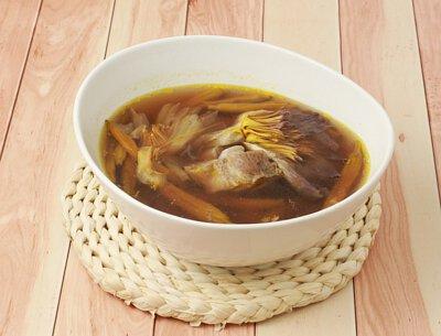 玉蓮金針排骨湯