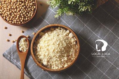 localoca 減醣減卡豆渣輕烘焙,減醣吐司、麵包、貝果,嚴選加拿大非基因改造新鮮黃豆製成豆渣。