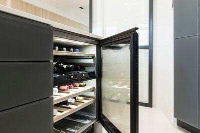 "<img src=""Miele-appliance-matches-customized-Royal-kitchen"" alt=""Miele-appliance-matches-customized-Royal-kitchen"">"