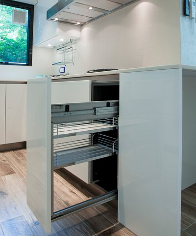 """<img src=""""tailor-made-kitchen-cabinet-from-royal-kitchen-design"""" alt=""""tailor-made-kitchen-cabinet-from-royal-kitchen-design"""">"""