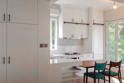 "<img src=""Pak-Fai-Mansion-kitchen-design-from-royal"" alt=""Pak-Fai-Mansion-kitchen-design-from-royal"">"