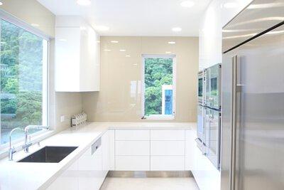 "<img src=""Villa-Veneto-kitchen-design-from-royal-kitchen-design"" alt=""Villa-Veneto-kitchen-design-from-royal-kitchen-design"">"